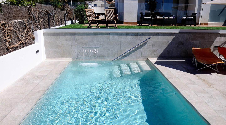Dise o de piscina terral de dalt for Normativa de diseno de piscinas